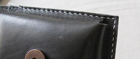 革を縫う3