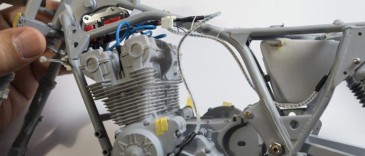 AHM CB750F配線とスパイラルチューブの制作